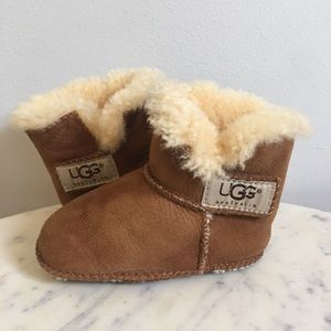 UGG Australia Genuine Sheepskin Erin Crib Shoes M